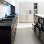cuisine moderne plan de travail en pierre noir